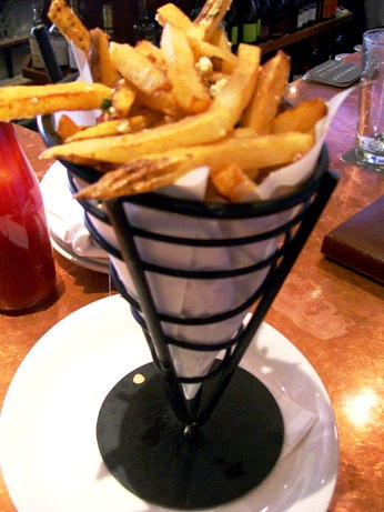 Truffle_oil_fries_2