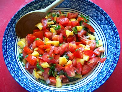 Peach_and_tomato_bruschetta