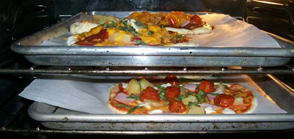 Pizzas_in_the_oven