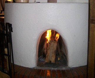 Kiva_fireplace_2