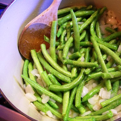 Cooking_the_greenbeans_2