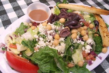 Greek_salad_the_stand
