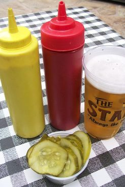 Pickles_and_beer_stand_2